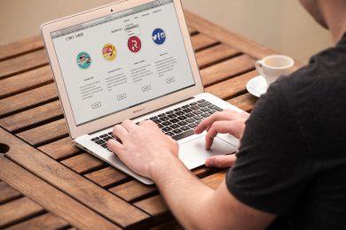 Ondernemer met zijn website